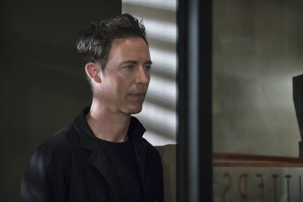 the flash season 2 episode 5 is earth 2 harrison wells evil