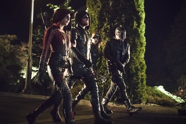 arrow season 4 episode 10 who is in the grave