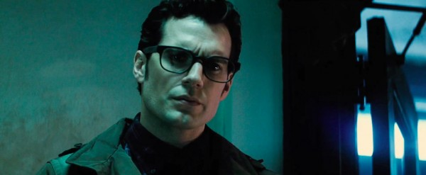batman v superman ultimate edition clark kent